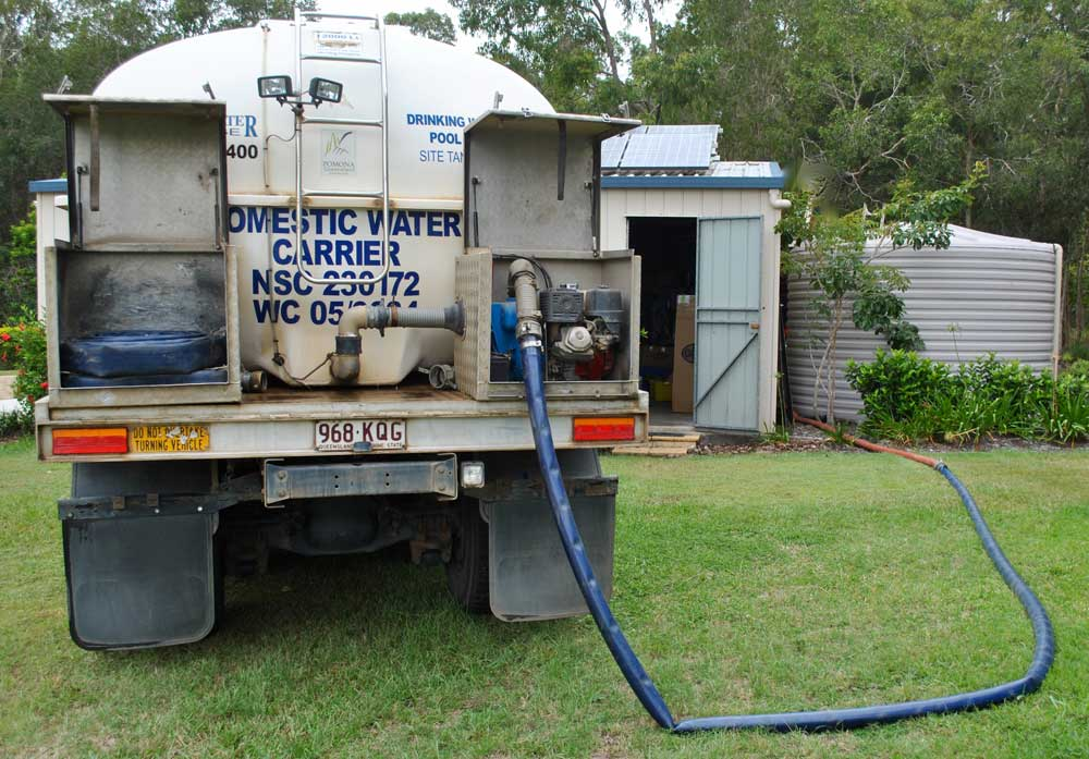 Pomoma Water truck filling a tank